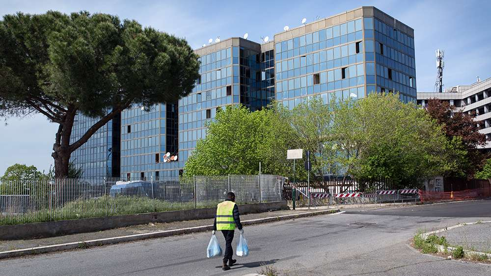 Fears for African refugees as coronavirus hits crowded Rome squat thumbnail