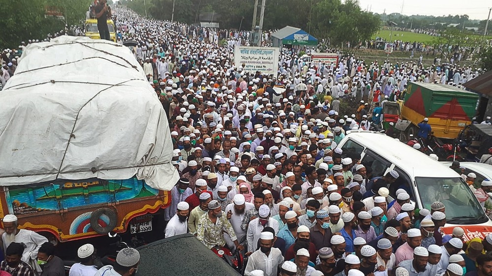 DO NOT USE Muslim funeral attended by thousands in Brahmanbaria, Banglades