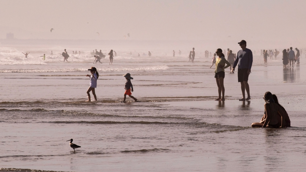 A heatwave hits Southern California amid the coronavirus pandemic. Huntington Beach, California, US.
