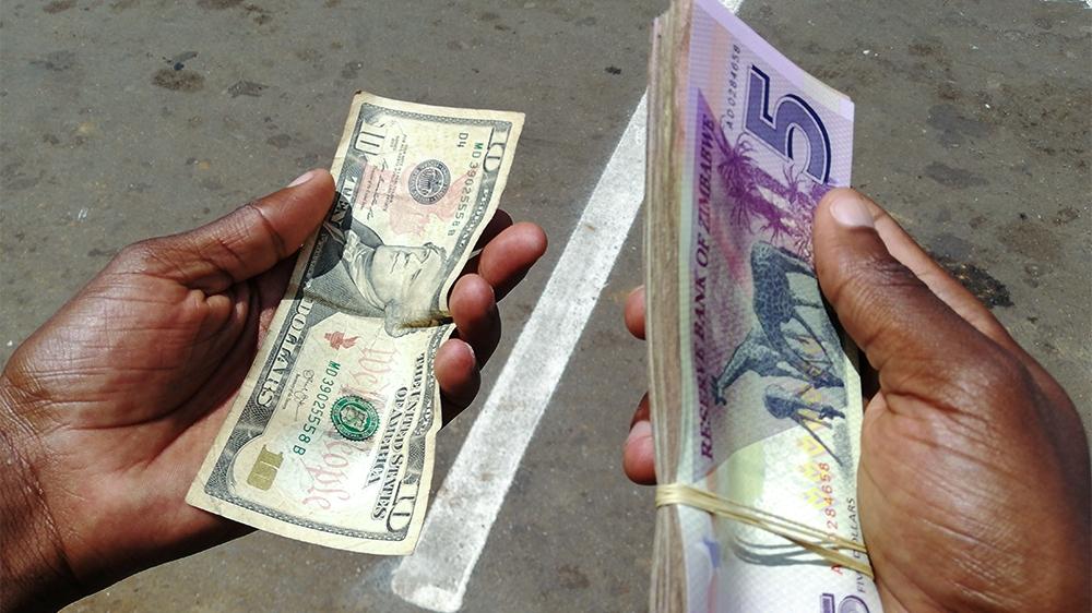 Zimbabwe is on lockdown, but money-changers are still busy | Zimbabwe News  | Al Jazeera