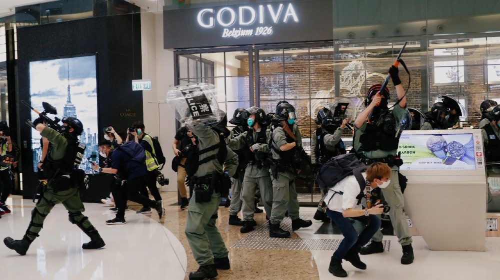 Hundreds gather in Hong Kong malls as anti-gov't rallies reemerge thumbnail