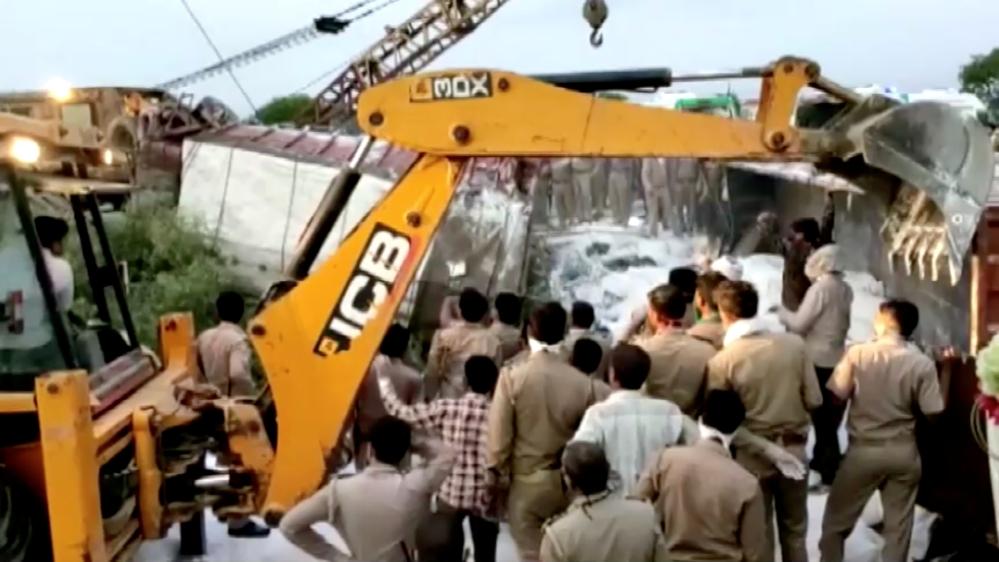 India truck collision