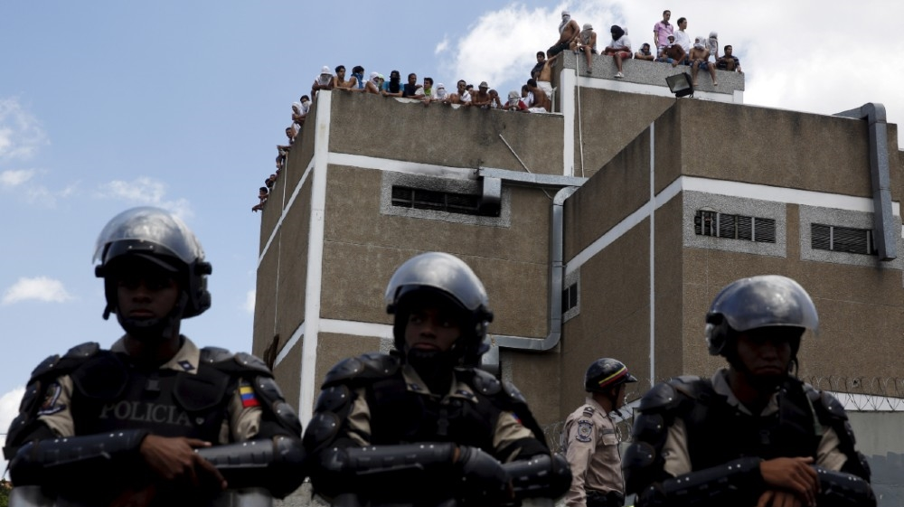 Dozens killed in Venezuela prison riot thumbnail