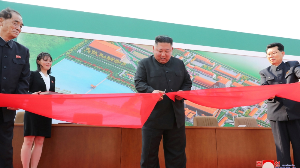 N Korea's Kim Jong Un makes first 'public appearance' in weeks thumbnail