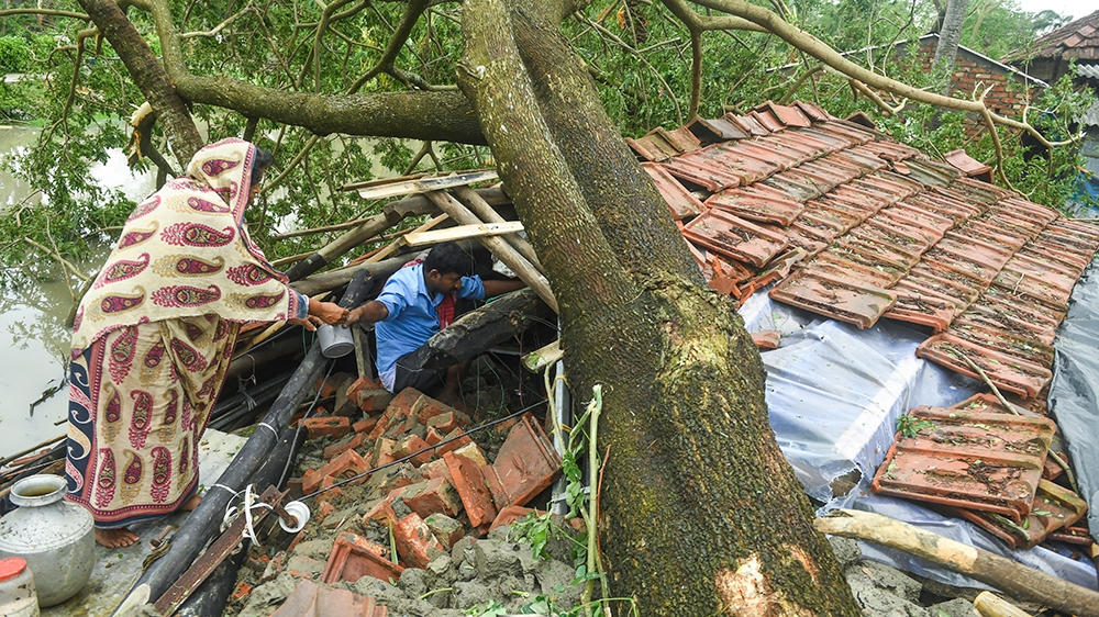 Cyclone Amphan leaves trail of destruction in Bangladesh, India ...