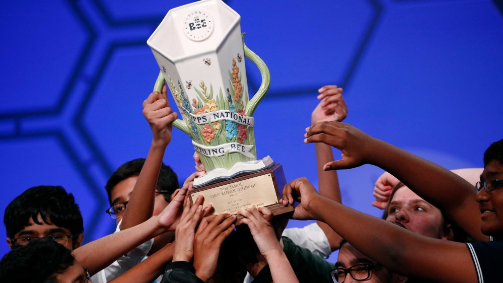 Top spellers in US prepare to crown national champion, from home thumbnail