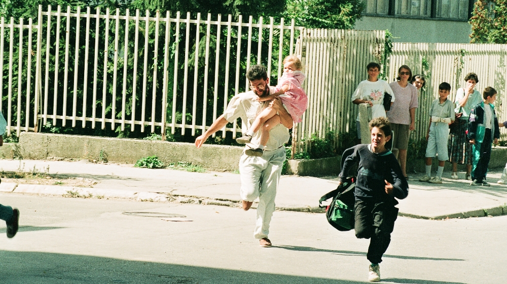 'A camera doesn't lie': Documenting besieged Sarajevo thumbnail