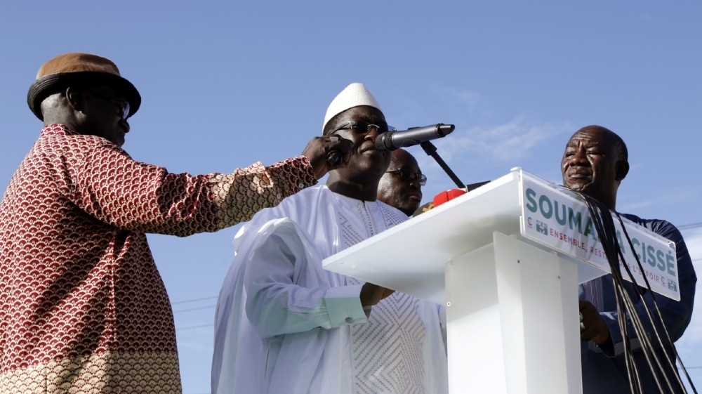 Soumaila Cisse, leader of opposition party URD (Union for the Republic and Democracy) speaks during a meeting in protest of the presidential inauguration of Mali's Presiden