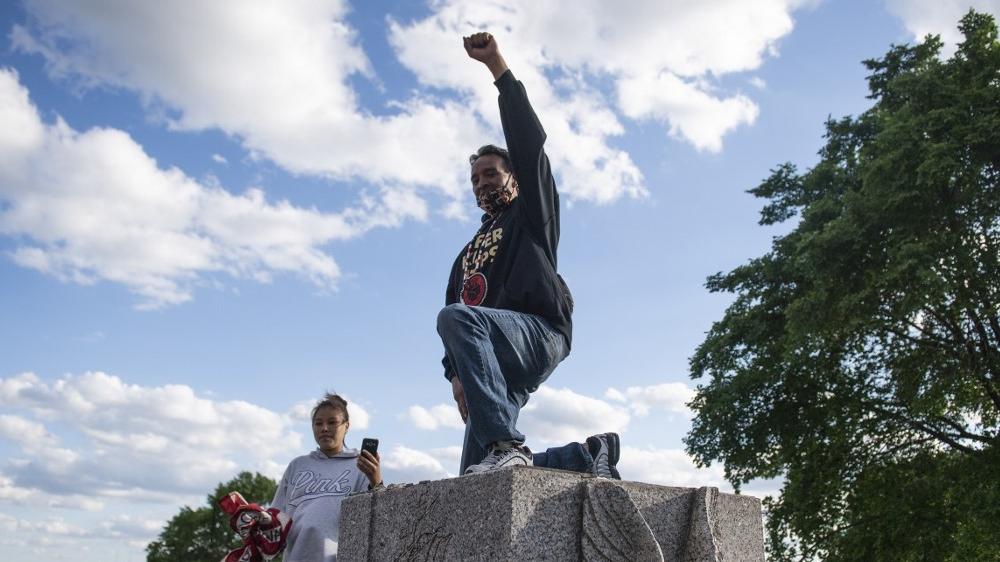 Minnesota statue of Christopher Columbus