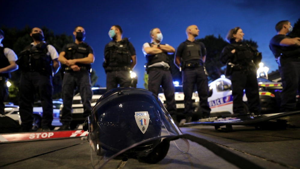 Police officers demonstrate against French Interior Minister Christophe Castaner's reforms in Nice