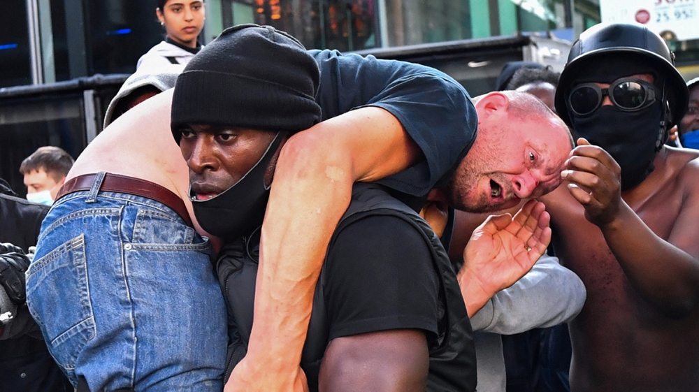 In Pictures: UK far-right protest slammed as 'racist thuggery' thumbnail