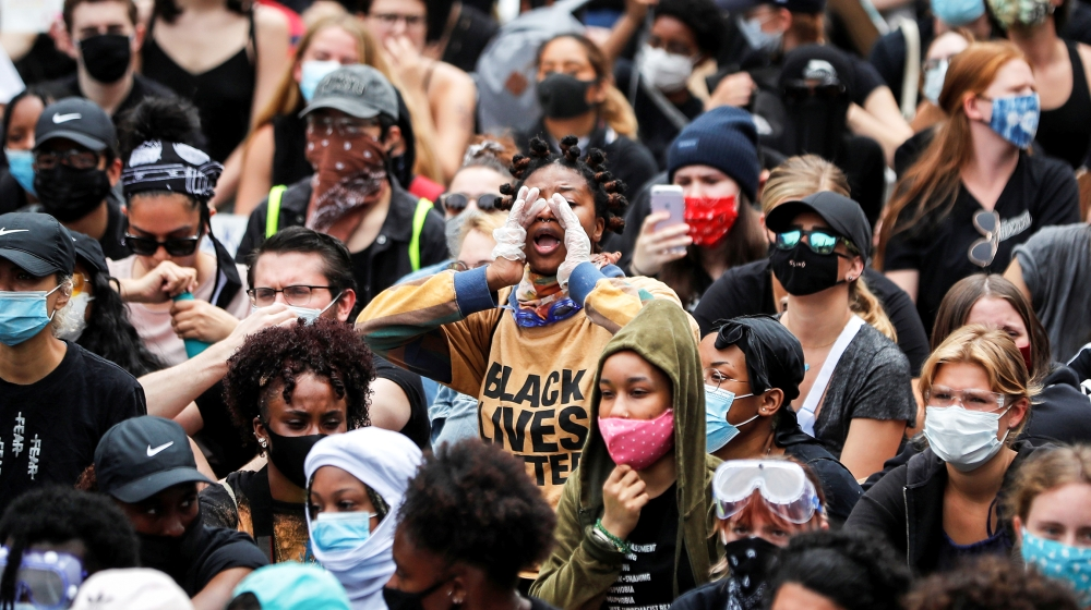 Protesters rally against the death in Minneapolis police custody of George Floyd, at Foley Square in the Manhattan borough of New York City, U.S., June 2, 2020. REUTERS/Mike Segar