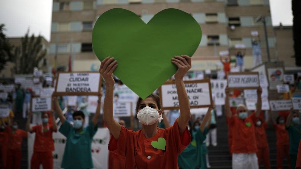 Healthcare workers protest in Spain