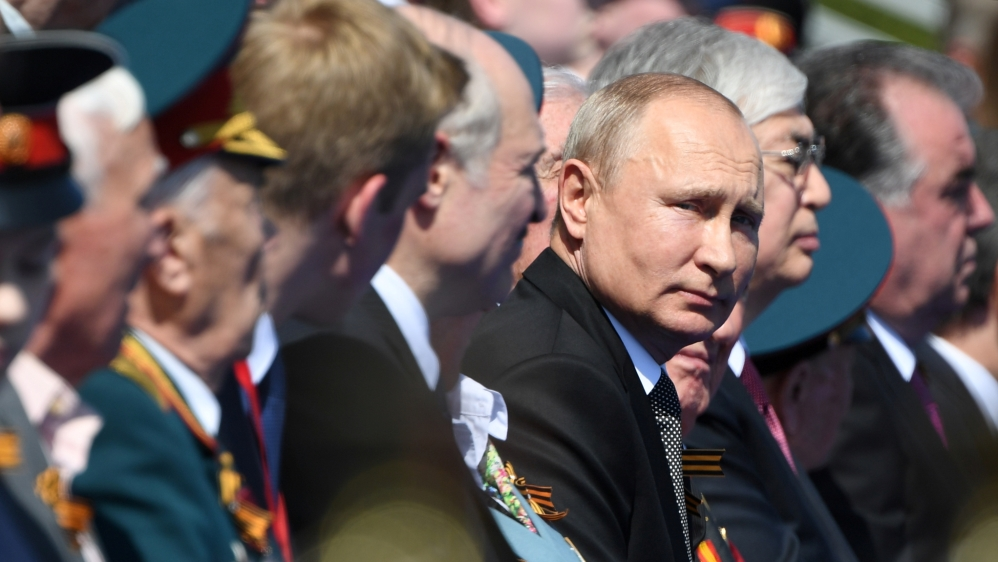 Russia's Putin hails Soviet role in WWII at military parade thumbnail