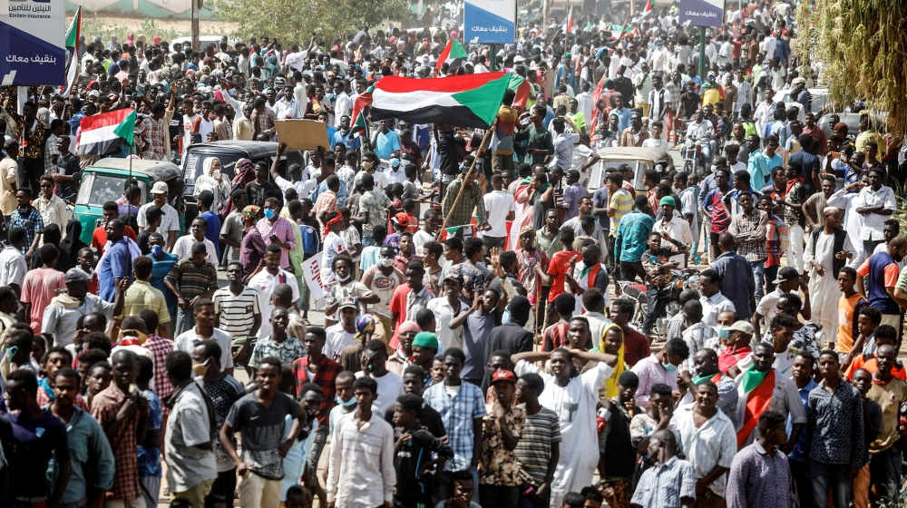 Sudan protesters return to streets to demand extra reforms thumbnail