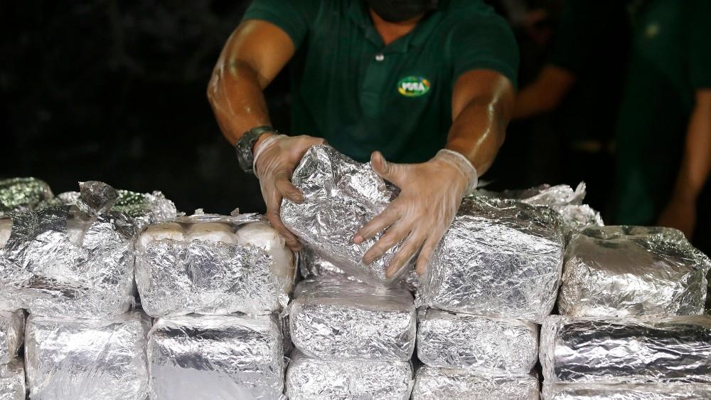 'I will kill you': Philippines' Duterte renews drug war threat thumbnail