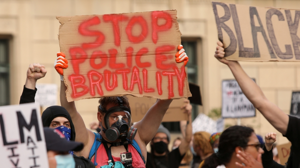 Buffalo police officers quit in protest of colleagues' suspension thumbnail