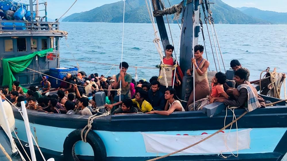 Can't take any extra Rohingya refugees: Malaysia PM at ASEAN meet thumbnail