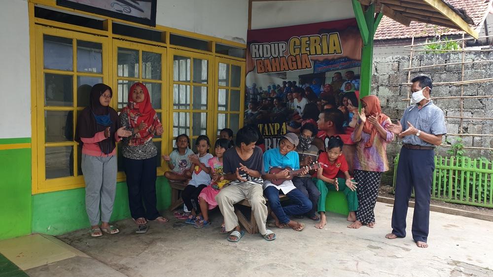 Indonesia street children