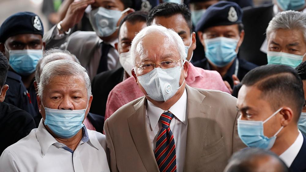 Malaysia's Najib gets 12 years in jail for 1MDB-linked graft case – Al Jazeera English