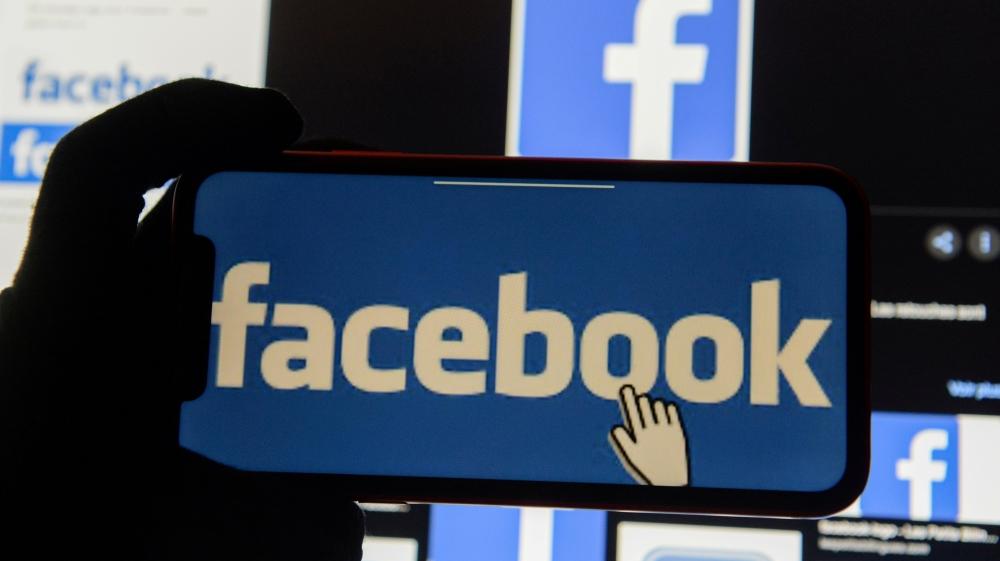 Turkey passes controversial bill tightening grip on social media thumbnail