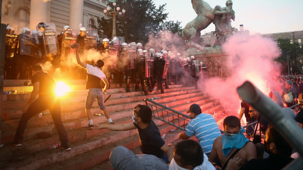 In Pictures: Belgrade protest over COVID-19 curfew turns violent thumbnail
