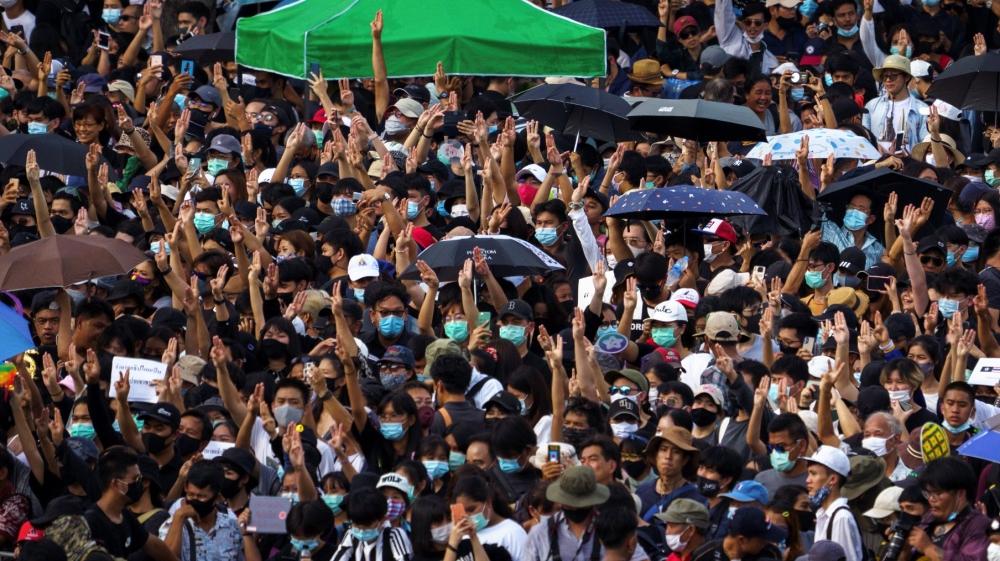 Thousands protest in Bangkok demanding gov't resignation – Al Jazeera English