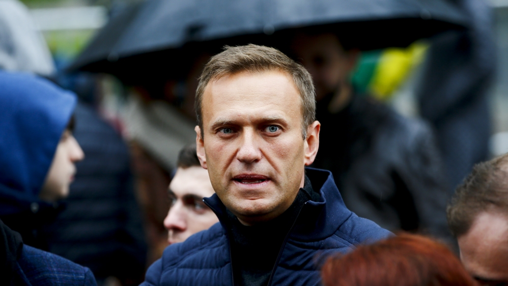 'Victim of a crime': World leaders react to Navalny poisoning thumbnail