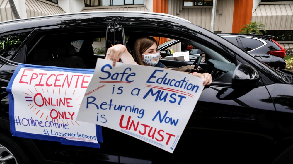 US teachers protest over reopening schools: Coronavirus live thumbnail