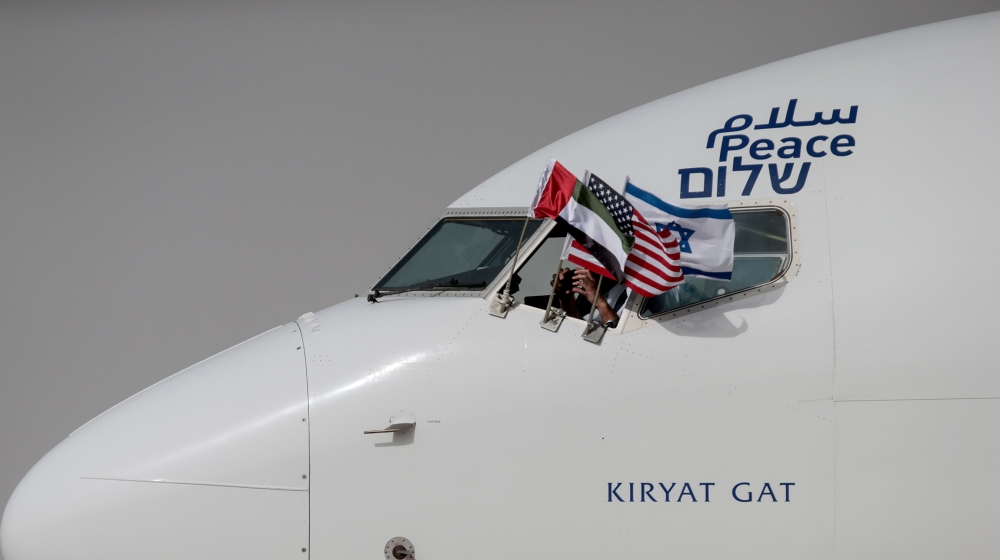 First-ever flight: Plane with US, Israeli officials lands in UAE thumbnail