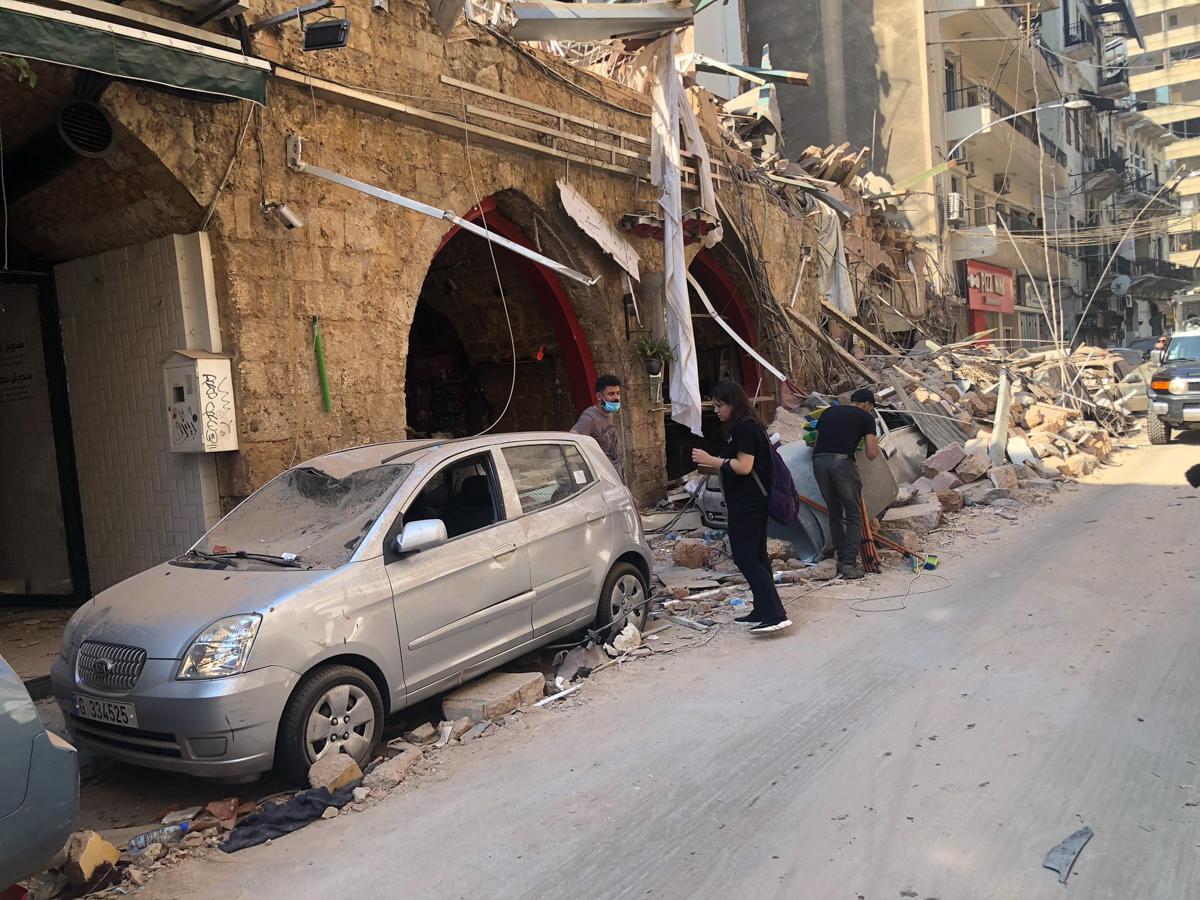Këshilli i Lartë i Mbrojtjes i Libanit, i cili mbledh presidentin dhe të gjitha agjencitë e mëdha të sigurisë, shpalli Beirut një qytet me fatkeqësi.  [Zeina Khodr / Al Jazeera]