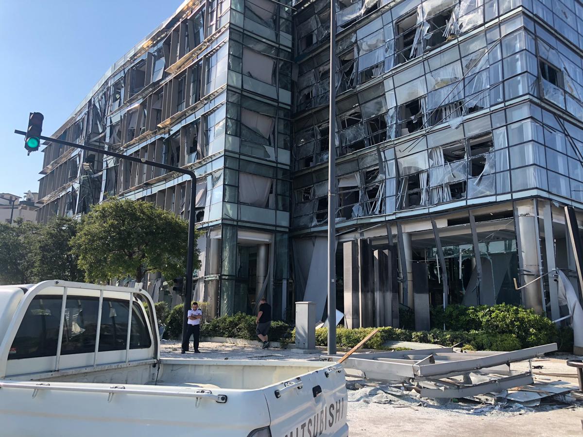 Shpërthimi masiv në Beirut shkaktoi një tërmet me madhësi 3.5, sipas qendrës së gjeoshkencave të Gjermanisë GFZ.  [Zeina Khodr / Al Jazeera]
