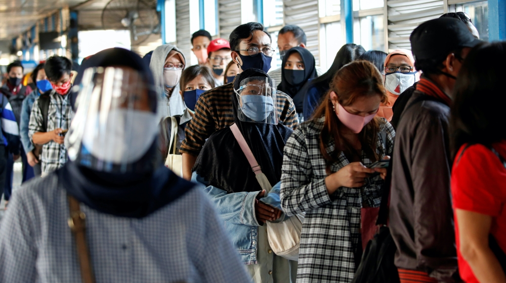 Indonesia commuters
