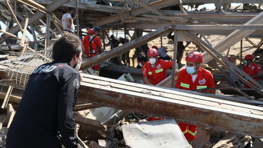 AFAD starts to search and rescue works at the Port of Beirut