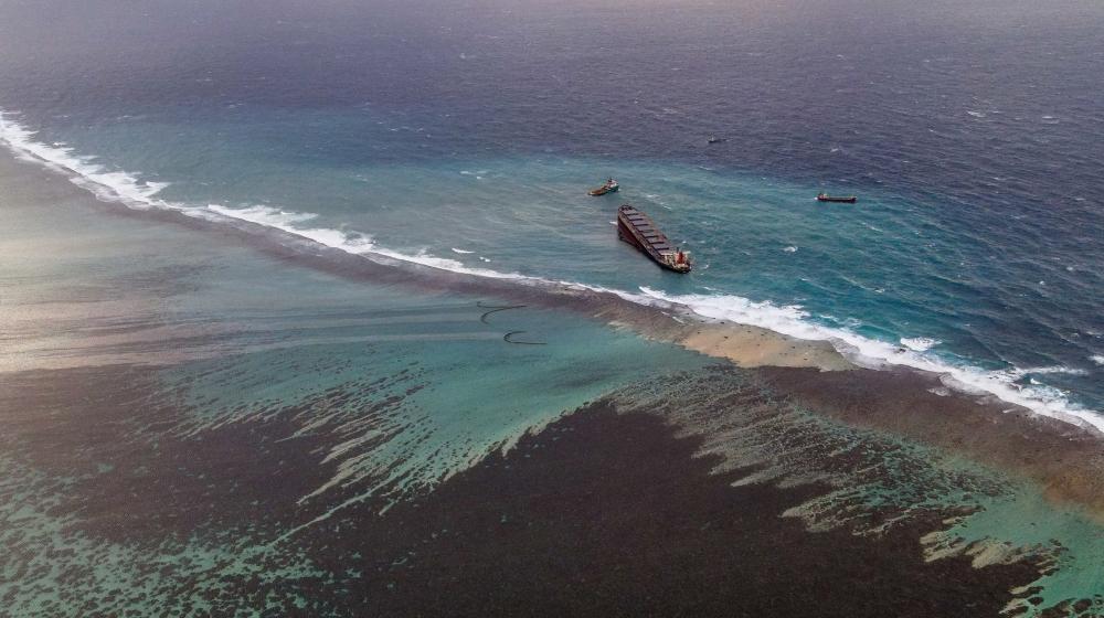Mauritius PM warns damaged ship leaking oil could split – Al Jazeera English