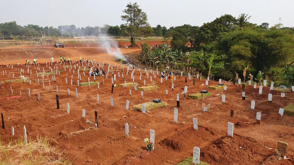 जकार्ता कब्रिस्तान [Fakhrur Rozi/Al Jazeera]