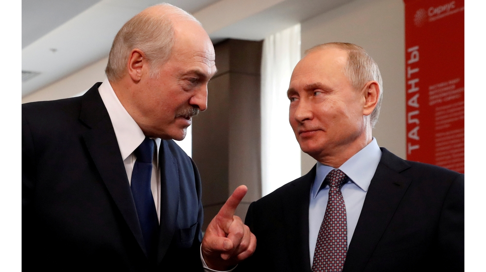 Amid protests Lukashenko arrives in Russia for talks with Putin – Al Jazeera English