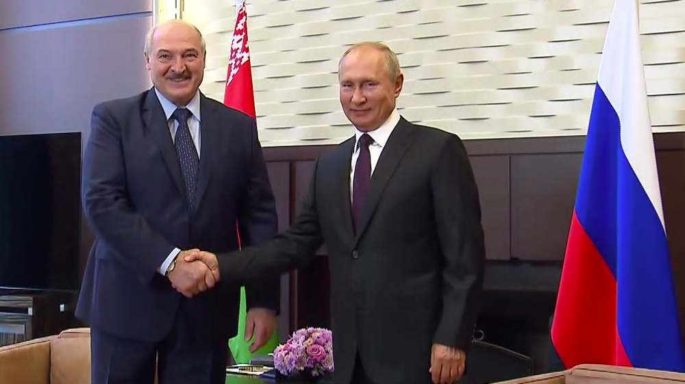 Russia says Belarus leader plans to change constitution thumbnail