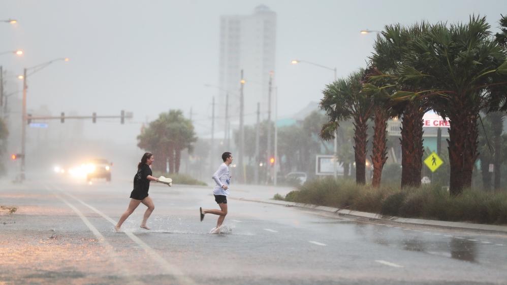 El huracán Sally toca tierra en la costa del Golfo