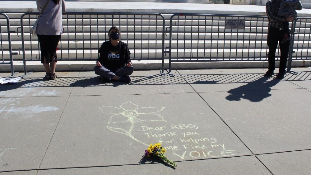 Mourners Ruth Bader Ginsburg Washington DC