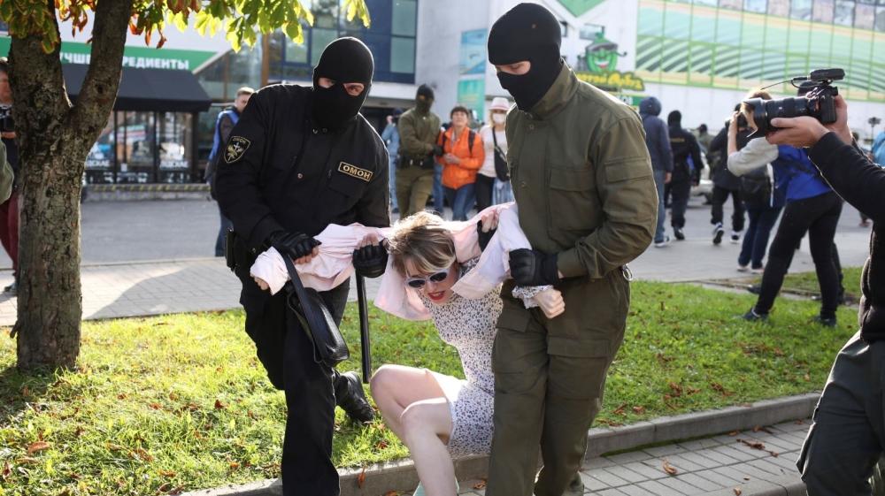 Mass anti-Lukashenko rally starts after Belarus police crackdown