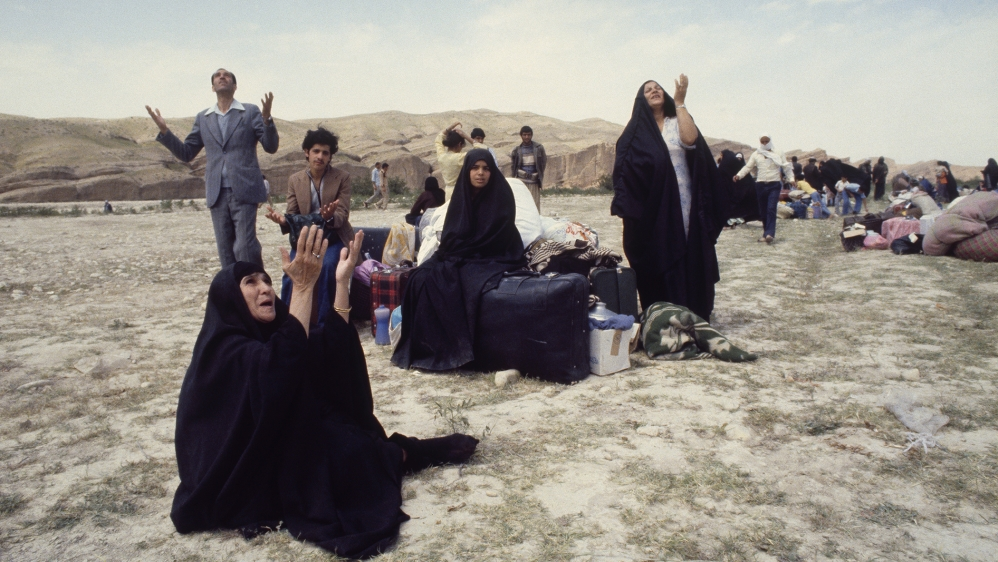 Iraqi Refugees at the Border Between Iran and Iraq Pro-Khomeini Shiite Iraqis flee Iraq for refuge in Iran. (Photo by jean-Louis Atlan/Sygma via Getty Images)