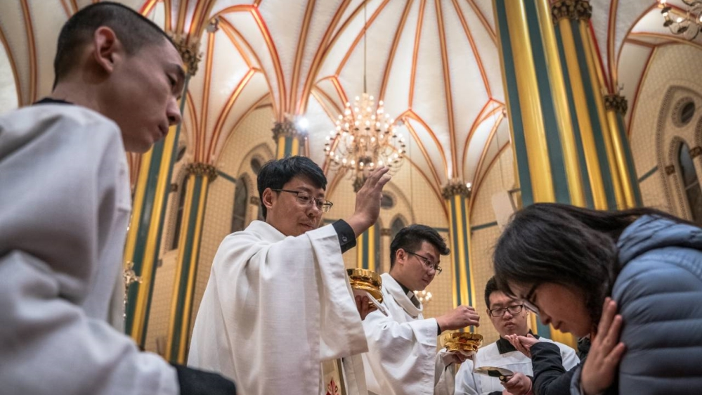 Vatican, China prepare to renew historic deal, angering US