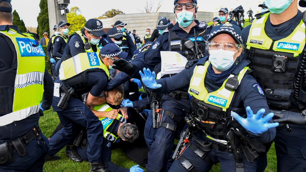 Melbourne anti-coronavirus lockdown protest turns violent: Live thumbnail