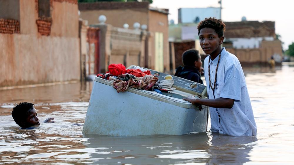 Displacement, despair and disease in flood-ravaged Sudan thumbnail