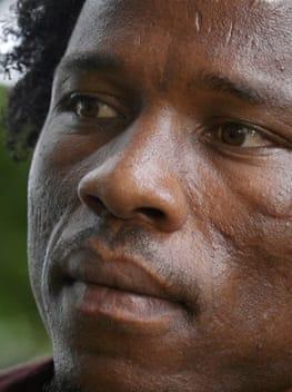 Manus refugee wins award for exposing 'cruel' Australia policy
