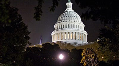 US politicians strike stimulus deal