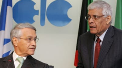 Opec cuts oil output