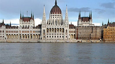 Hungary to get $25bn rescue deal