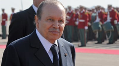 Algeria lifts presidency term limit